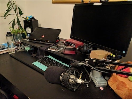 Maize's computer setup.